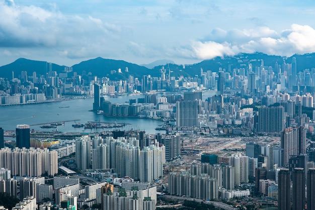 Vista del puerto victoria de hong kong, paisaje urbano de hong kong Foto Premium