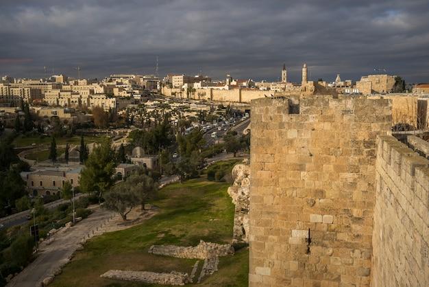 Vista de ramparts paseo y ciudad, golden gate, jerusalén, israel Foto Premium