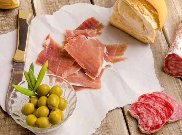 Vista superior de comida mediterránea Foto Premium