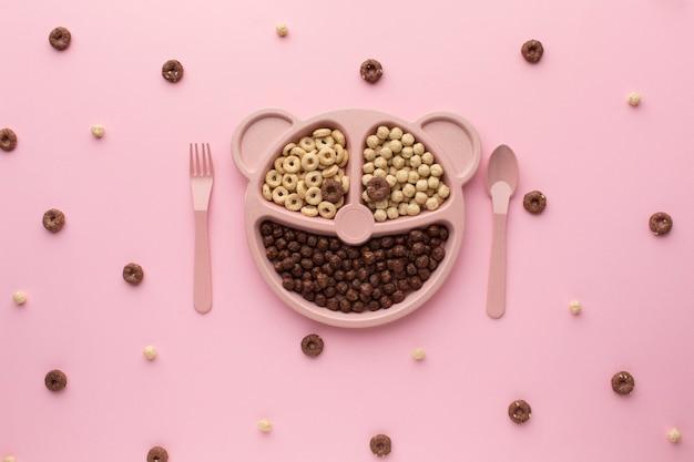 Vista superior delicioso cereal en una mesa Foto gratis