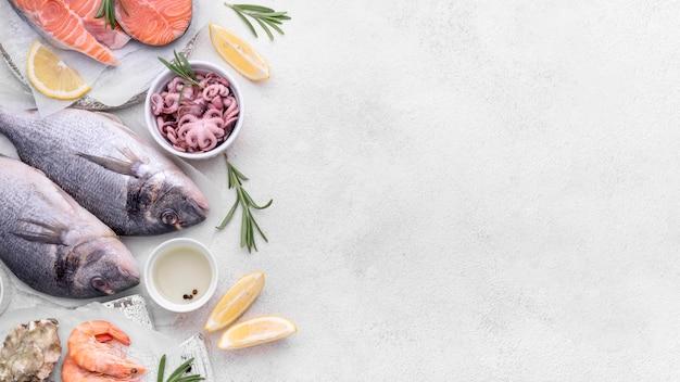 Vista superior delicioso plato de mariscos exóticos Foto gratis