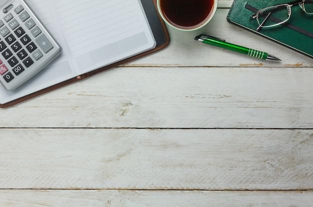 Vista superior elementos de la oficina Foto gratis