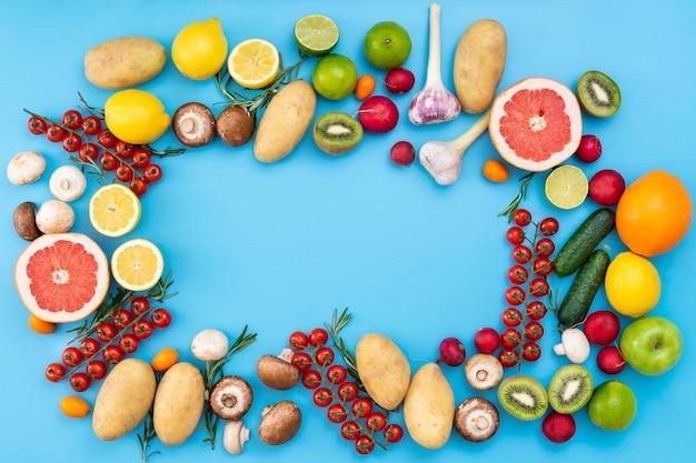 Vista superior de frutas y verduras Foto Premium