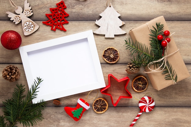 Vista superior de maqueta de marco de navidad Foto gratis