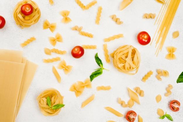 Vista superior de pasta italiana Foto Premium