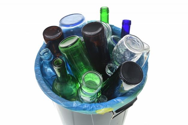 Vista superior de reciclaje de vidrio en blanco Foto Premium
