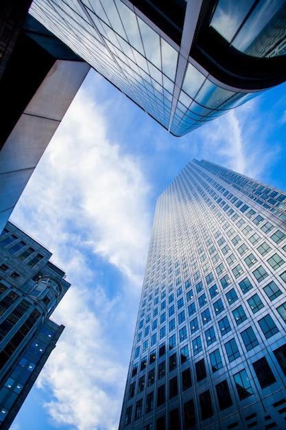 Windows of skyscraper business office edificio corporativo en la ciudad de londres, inglaterra, reino unido Foto Premium