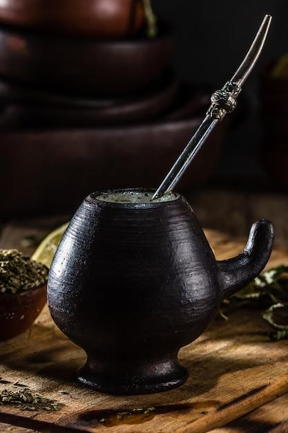 Yerba mate - té de hierbas de bebida caliente de américa latina Foto Premium