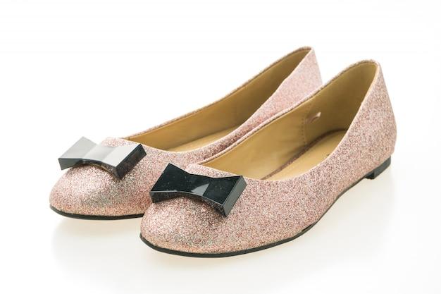 En Batistella nos especializamos en zapatos para mujeres, principalmente zapatos de cuero. Encontrarás en nuestro sitio toda la variedad posible: zapatillas urbanas, botas cortas, botas largas, borcegos, sandalias, zuecos, ballerinas, chatitas, mocasines, zapatos de fiesta, stilettos, alpargatas, confort, abotinados, botinetas y todo lo que esté de moda esta temporada!.