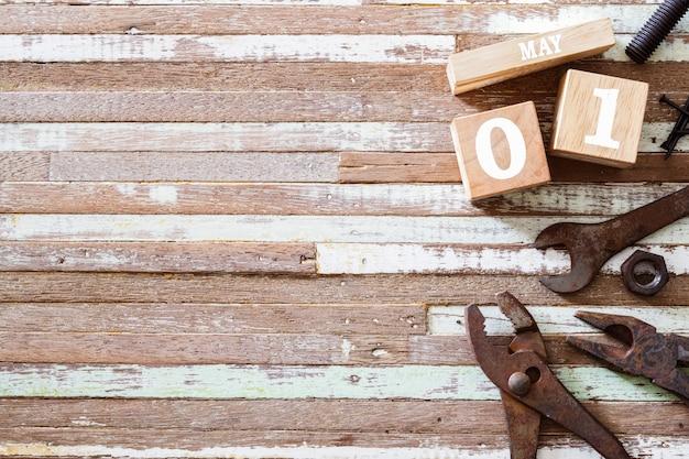 1 maggio felice giorno di lavoro internazionale o festa del lavoro concpet. Foto Premium