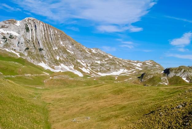 A nord del montenegro, il territorio della riserva zabljak Foto Premium