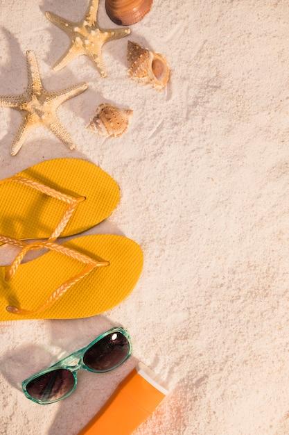 Accessori estivi sulla spiaggia Foto Gratuite