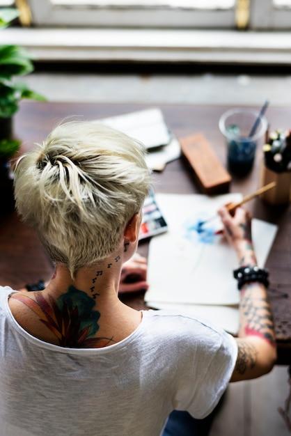 Acquerello tatuato ragazza arte Foto Premium