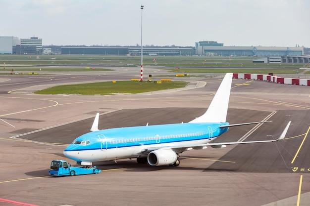 Aereo pronto al decollo Foto Premium