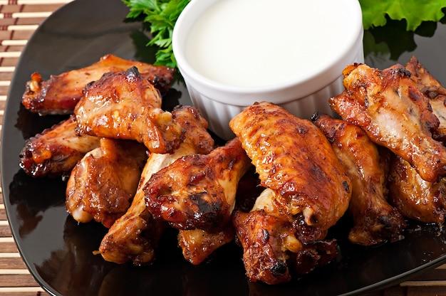 Ali di pollo al forno in stile asiatico Foto Gratuite