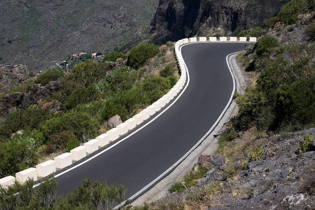 Alta vista di un'autostrada vuota Foto Gratuite