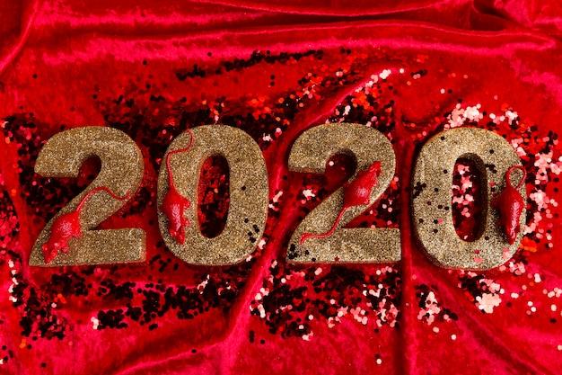 Alto angolo del numero cinese di nuovo anno su velluto Foto Gratuite