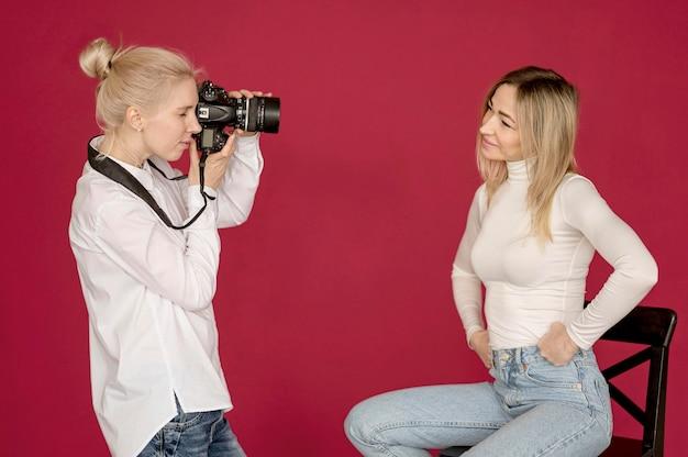 Amici di concetto di ripresa foto scattare foto Foto Gratuite