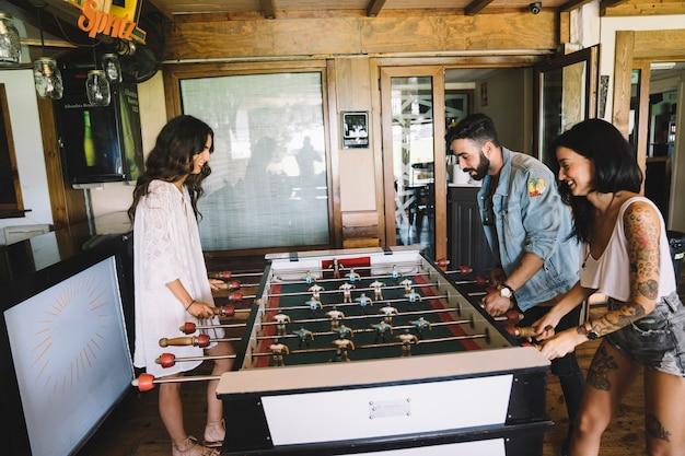 Amici, gioco, calcio, tavola Foto Gratuite