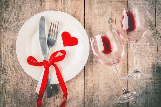 Amore di sfondo e romantico. messa a fuoco selettiva cibo Foto Premium
