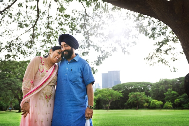 Amorevole coppia indiana senior Foto Premium