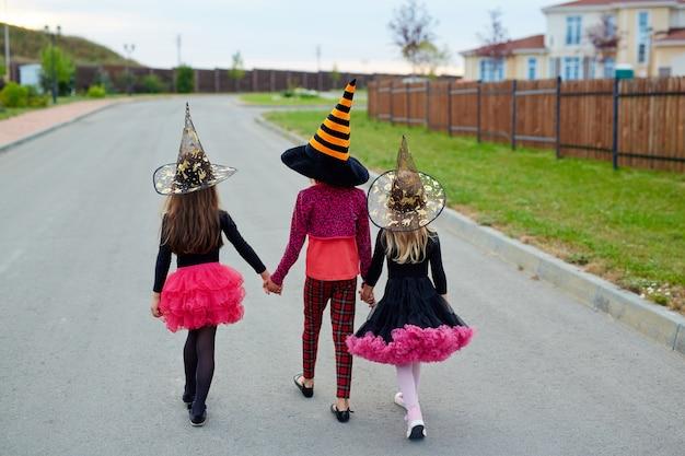Andare a fare dolcetti ad halloween Foto Gratuite