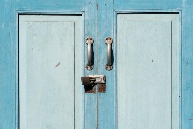 Antica porta chiusa e dimenticata scaricare foto gratis for Porta chiusa