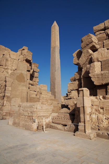 Antico tempio di karnak a luxor, in egitto Foto Premium