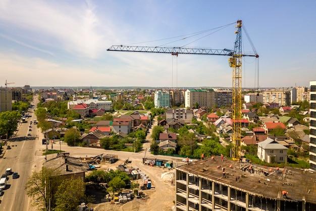 Appartamento o edificio alto in costruzione Foto Premium