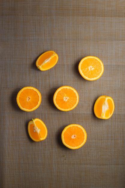 Arancia affettata frutta biologica concetto sano vista dall'alto. Foto Premium