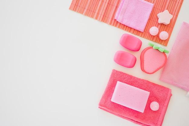 Articoli da toeletta rosa da ragazza Foto Gratuite