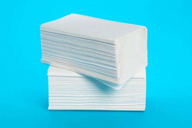Asciugamani di carta isolati Foto Premium
