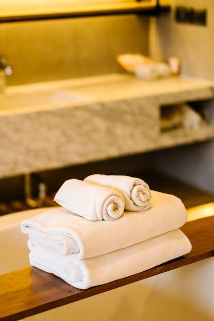 Asciugamano bianco Foto Gratuite