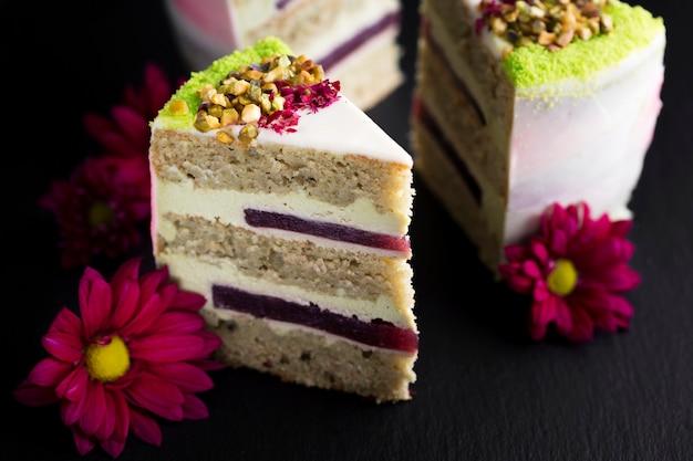 Assortimento con fette di torta Foto Gratuite