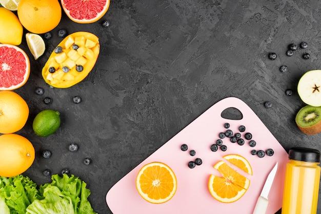 Assortimento di frutta con spazio di copia Foto Gratuite