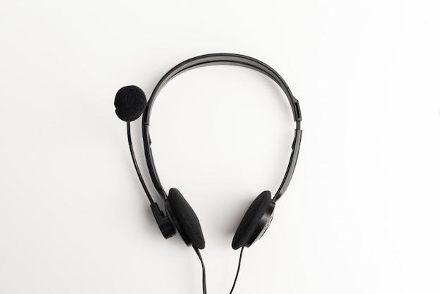 Auricolare audio sul tavolo Foto Premium