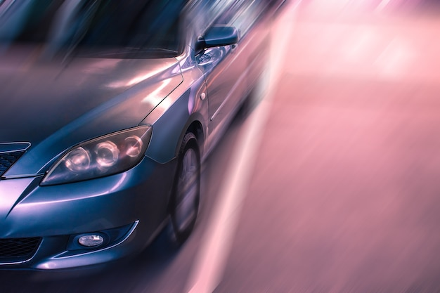 Automobile su priorità bassa confusa della strada. per automobile o trasporto automobilistico Foto Premium