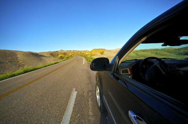 Badlands drive thru Foto Gratuite
