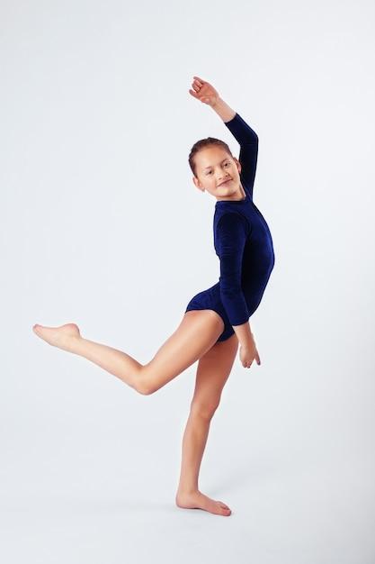 Bambina coinvolta nello sport. Foto Premium