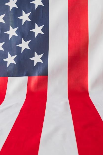 Bandiera americana che copre un aereo angolare Foto Gratuite