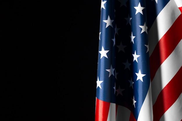 Bandiera americana d'annata su una lavagna con spazio per testo Foto Premium