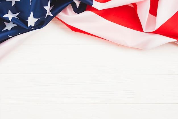 Bandiera americana su sfondo bianco Foto Gratuite