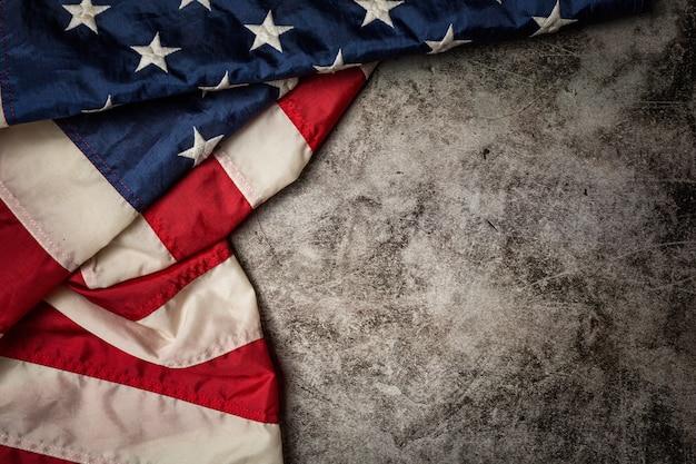 Bandiera degli stati uniti su sfondo nero. Foto Gratuite