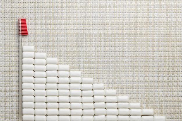 Bandiera della gomma da masticare, concetto di igiene orale con lo spazio della copia Foto Premium