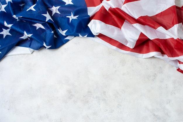 Bandiera usa sgualcita con copia-spazio Foto Gratuite