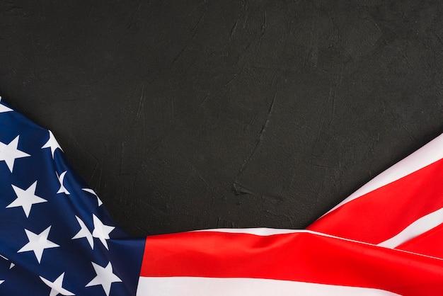 Bandiera usa su sfondo nero Foto Gratuite