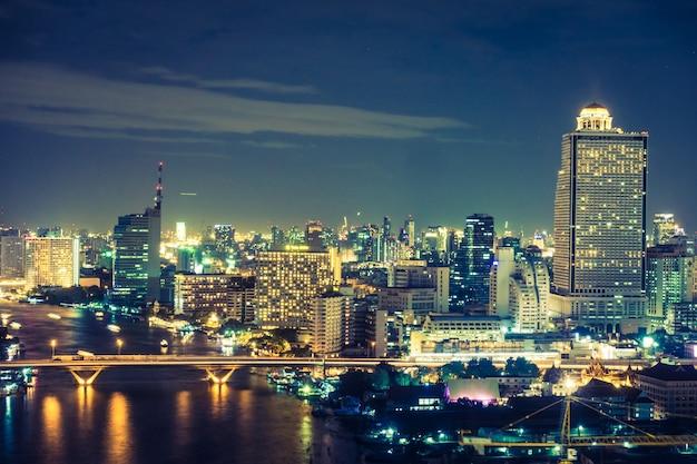 Bangkok di notte scaricare foto gratis
