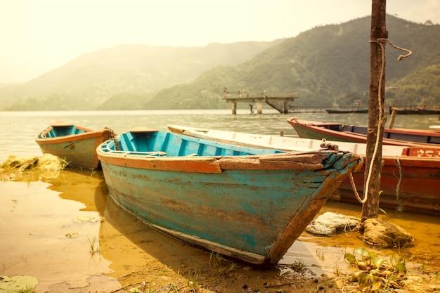Barca al tramonto Foto Premium