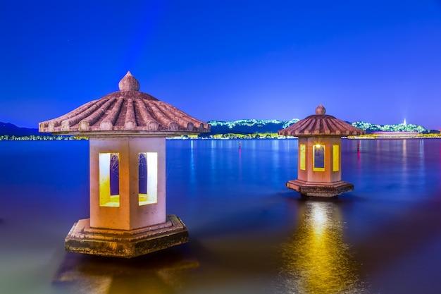 Barca di paesaggio del paesaggio della città di paesaggio Foto Gratuite
