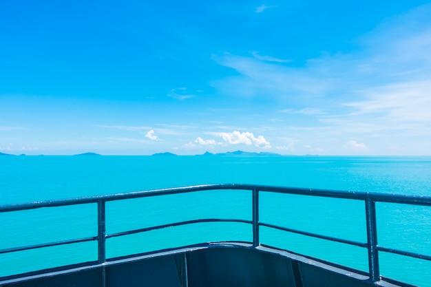 Barca o nave balcone esterno Foto Gratuite